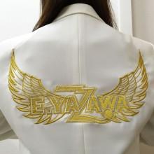 金糸で羽根付きロゴ刺繍